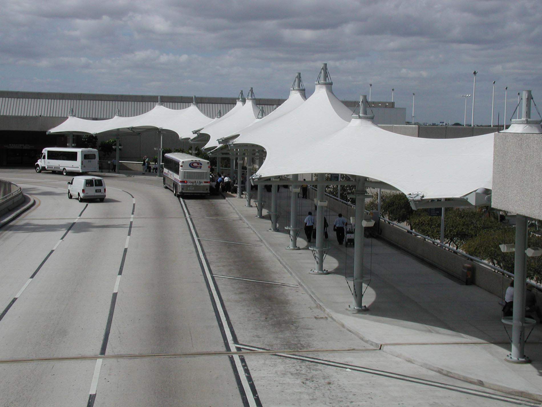 Fort Lauderdale-Hollywood Airport Curbside Canopies - RDC ...